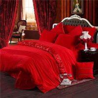 Lovely Valentine Master Bedroom Decor Ideas 38