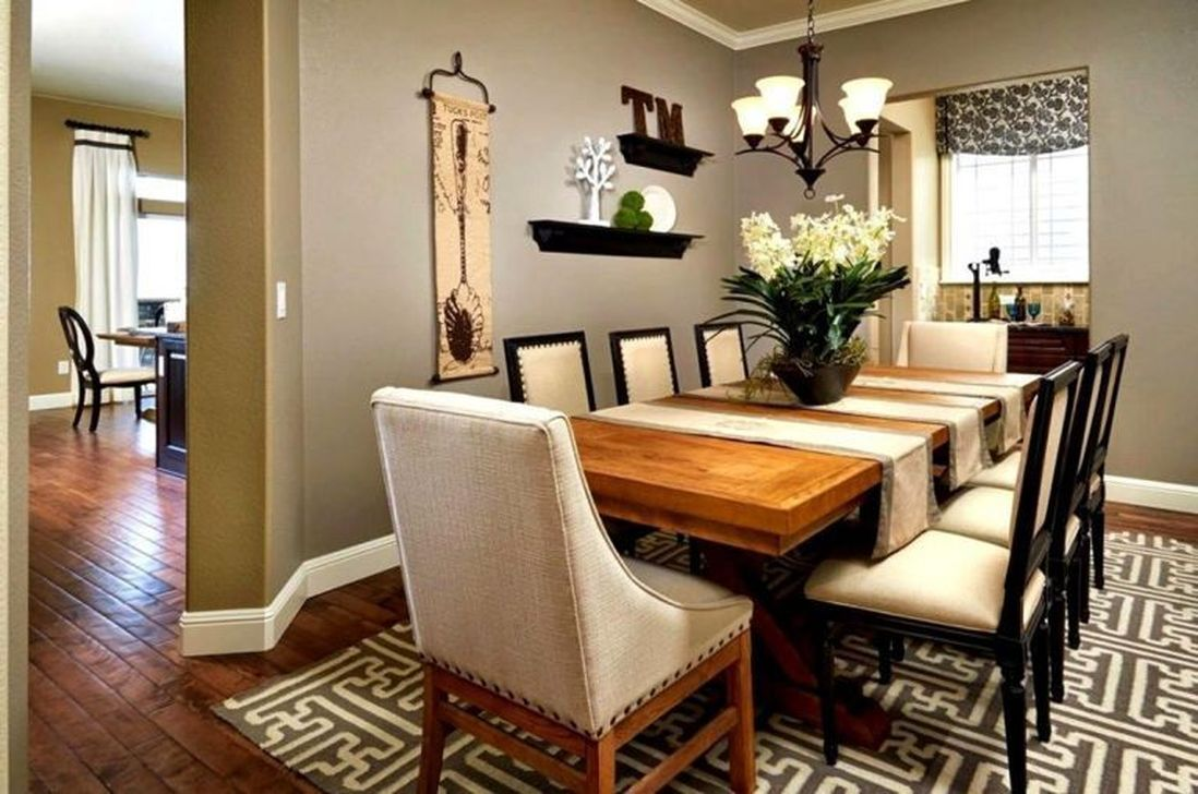 Beautiful Winter Dining Room Table Decor Ideas Which You Definitely Like 43