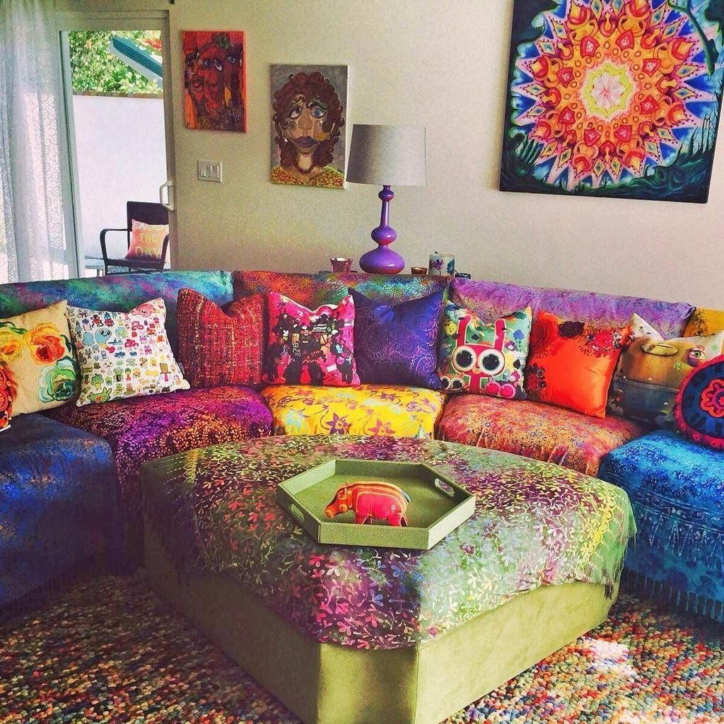 Lovely Colorful Living Room Ideas 21