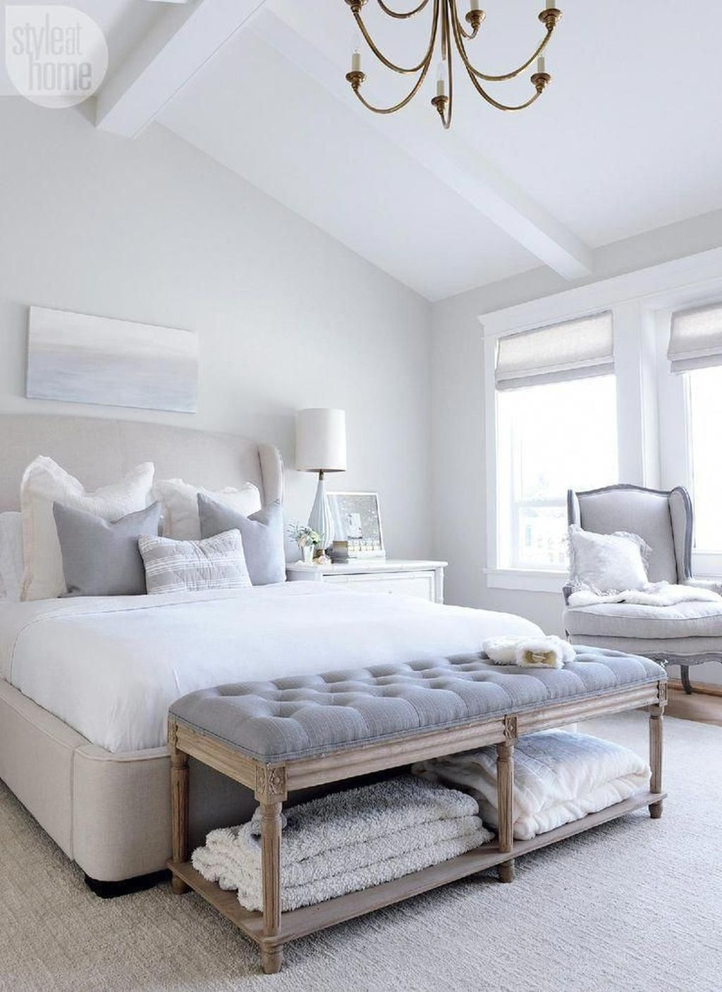 Picture of: Popular White Master Bedroom Furniture Ideas 16 Homyhomee