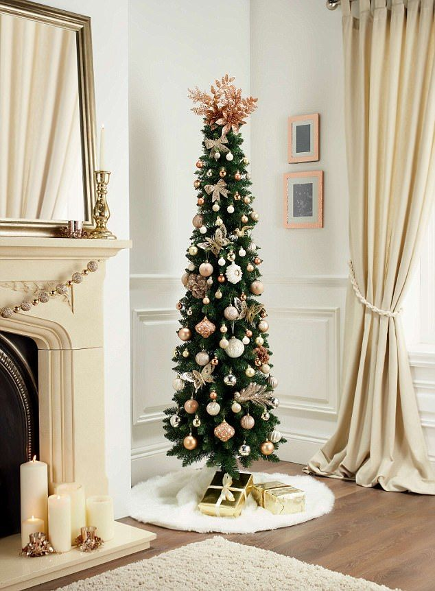 Skinny Christmas Tree With Lights