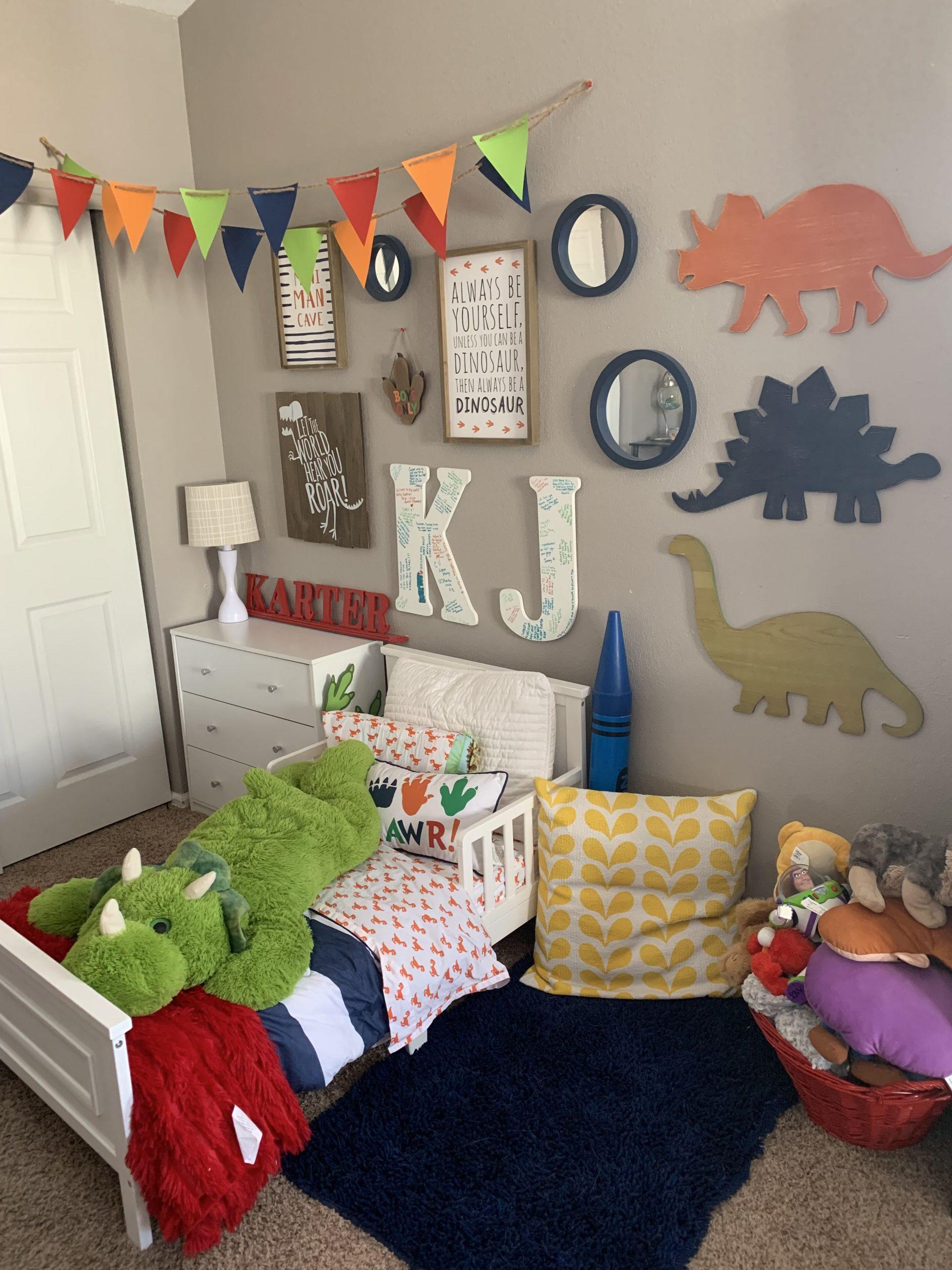 Dinosaur Bedroom Decor