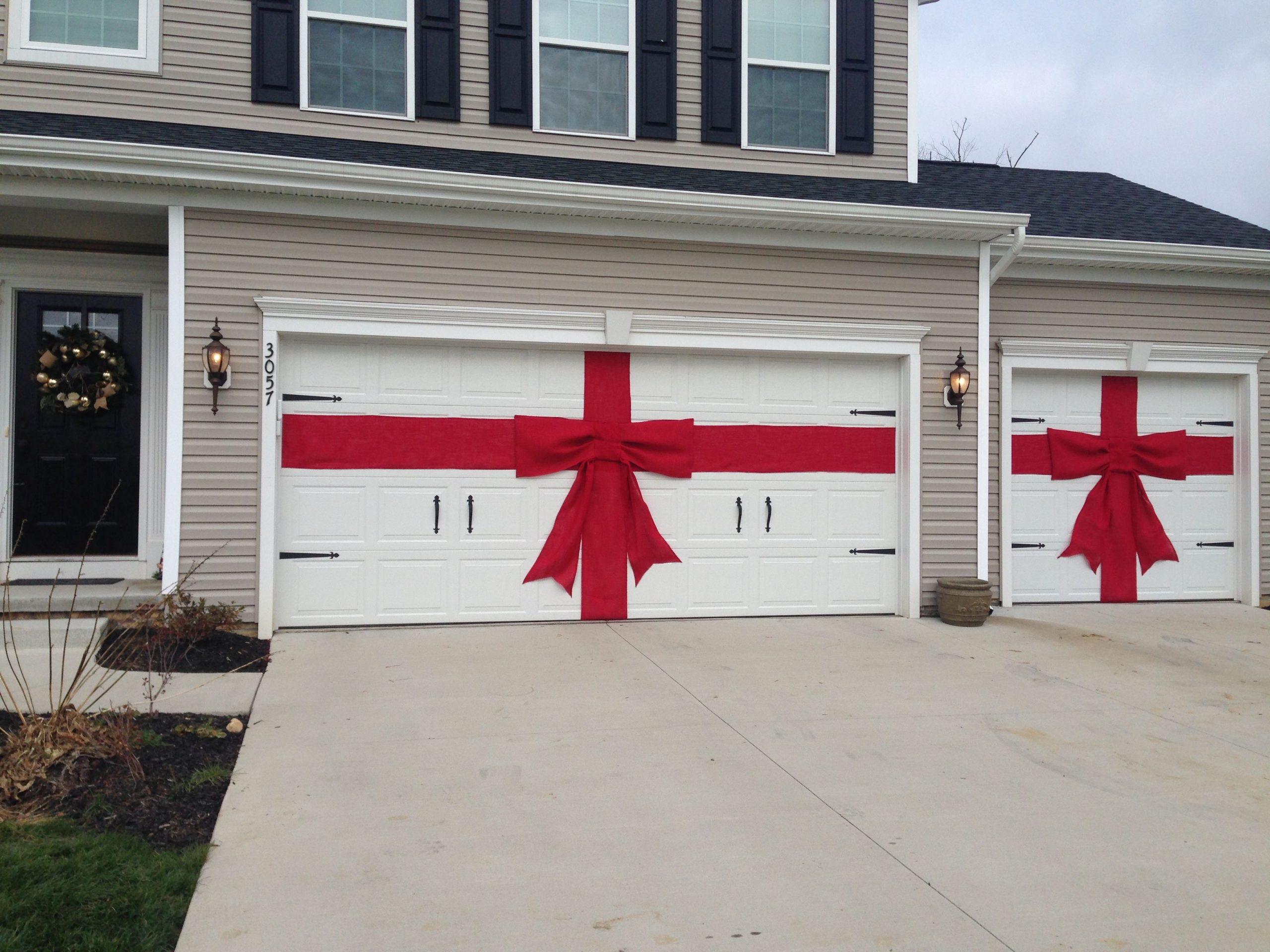 DIY Garage Door Christmas Decorations