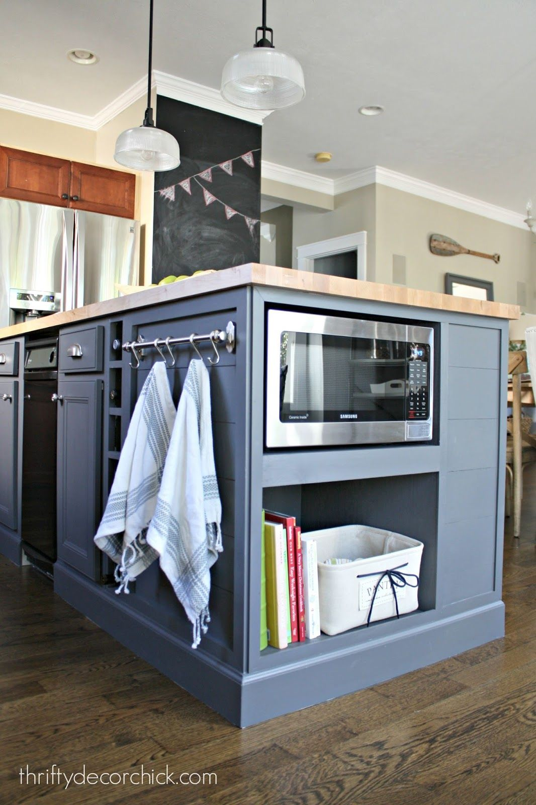Kitchen Island With Microwave