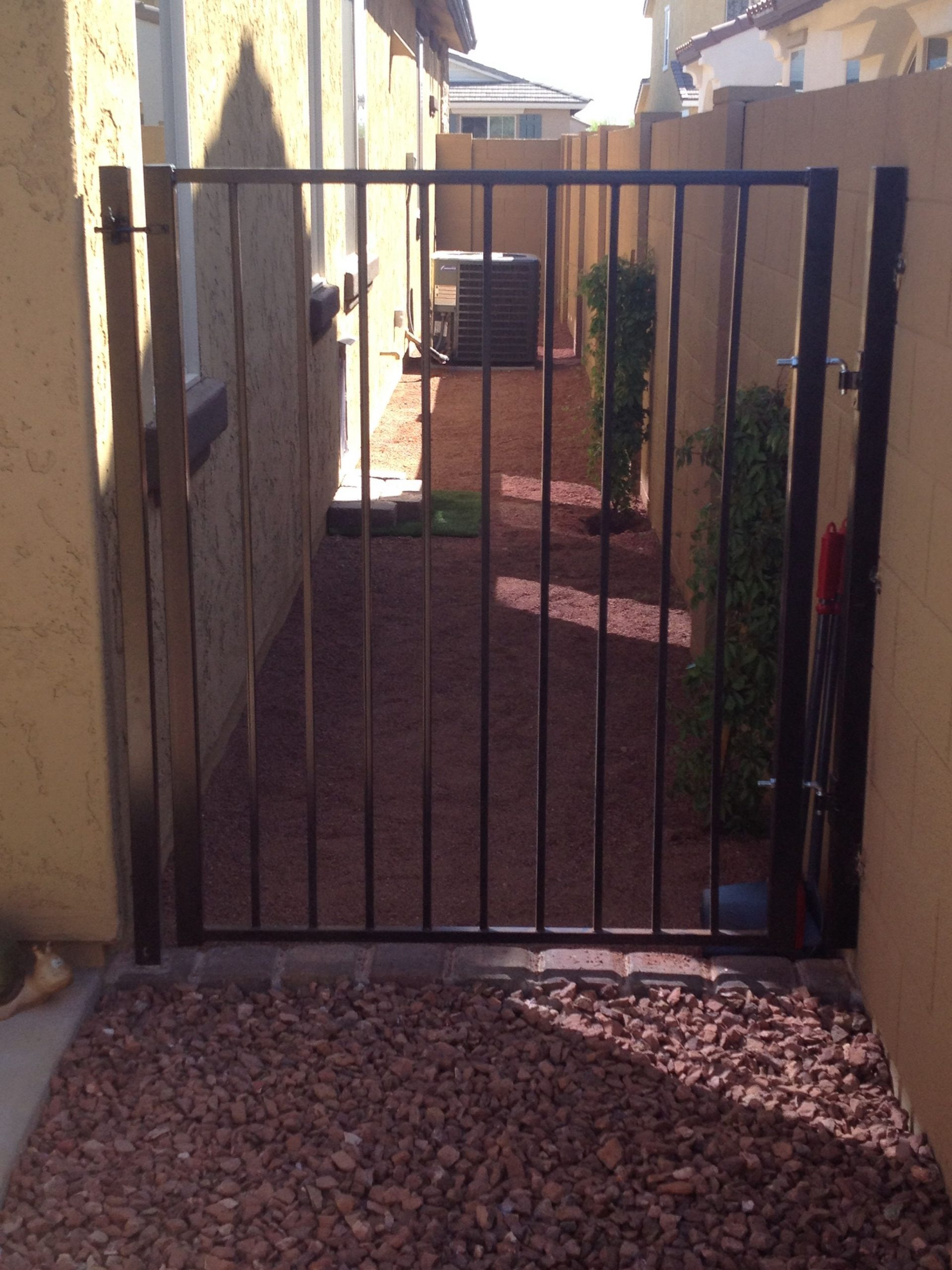 Outdoor Dog Fence With Gate
